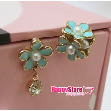 3D Flower matches Flower with Dangling Diamond stud earrings