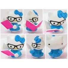 Hello Kitty Loves Reading